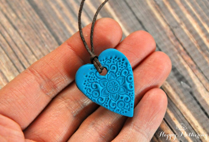 essential oil diffuser necklace heart hand