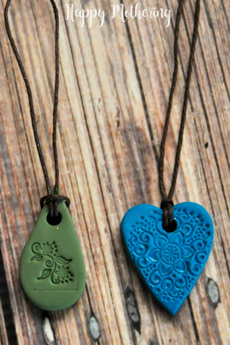 These DIY baked clay essential oil diffuser necklaces are so easy to make with a few simple supplies