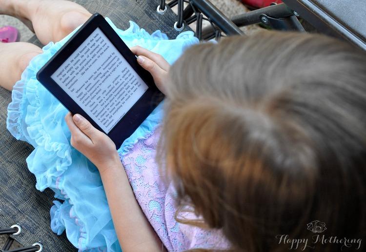 zoe-kindle-reading