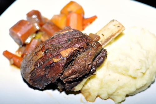 Buffalo short ribs with veggies and mashed potatoes