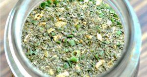 Ranch seasoning blend close up in a mason jar