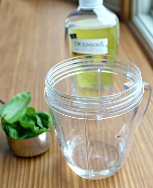 Have you wanted to learn to make your own face cream? This homemade anti-aging basil face cream is easy to make it so great for making your skin glow!