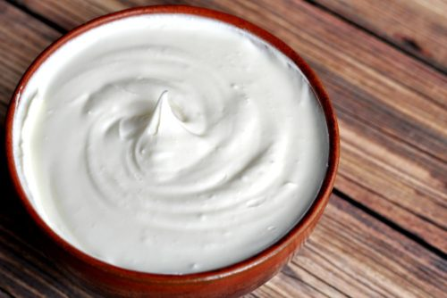 Do you love fermenting foods to make them more digestible? It only takes 2 ingredients to make cultured, homemade sour cream that's tasty and healthy.