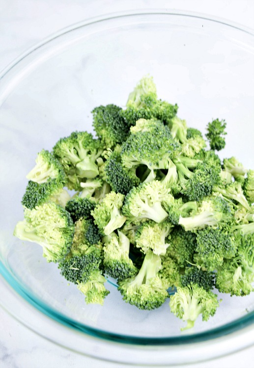 Are you looking for an amazing, real food side dish to bring to your next summer picnic? This creamy broccoli salad recipe is always a huge hit!