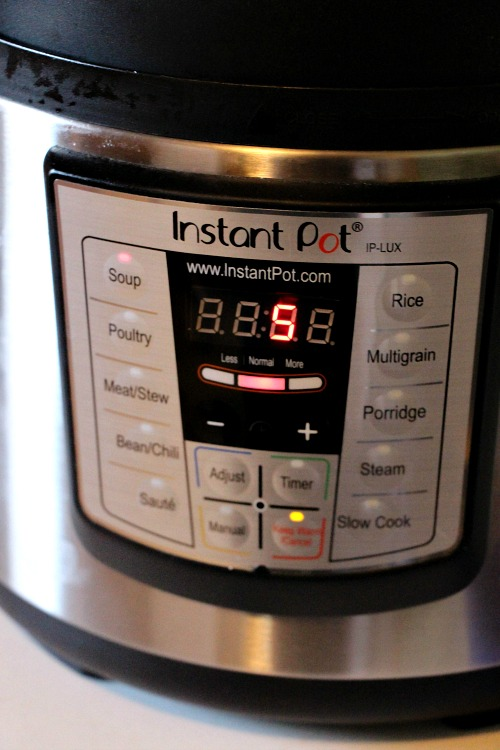 My Instant Pot is one of the most used kitchen gadgets. Did you know you can make Instant Pot mac and cheese? Yep, it's yummy, creamy goodness - try it!