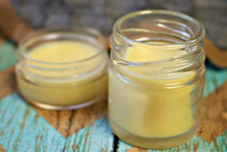 Are you looking for a natural pain relief product that works? Learn how to make a DIY pain relief balm that includes natural ingredients that help with inflammation, sore muscles, headaches, arthritis and more.
