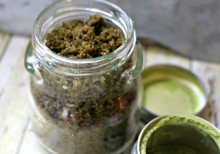 Do you love homemade natural beauty products? Learn how to make a simple DIY Brown Sugar Body Scrub. Our recipe uses matcha green tea, coconut oil and essential oils to smooth and moisturize dry skin.