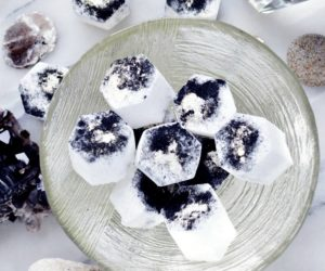 DIY Shimmering and Soothing Bath Fizzies