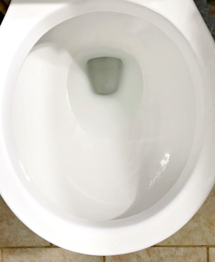 Clean toilet bowl