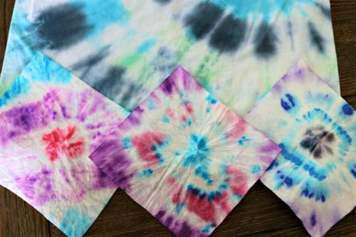 Tie dyed t-shirt and 3 wipes