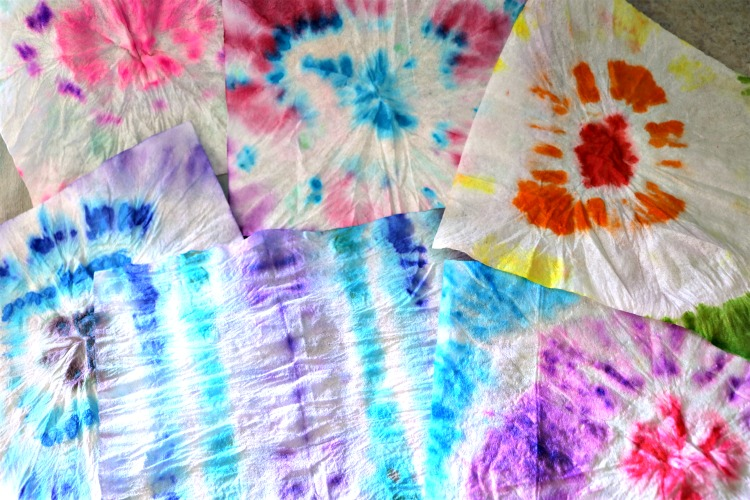 Tie dye hand wipes made with kids