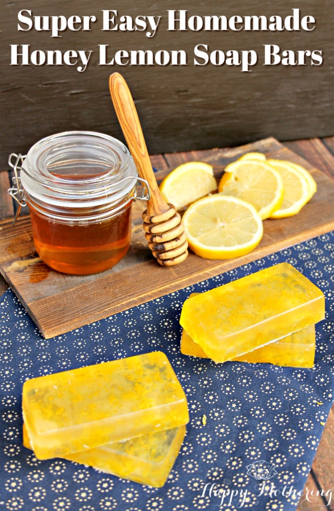 Making homemade soap bars with melt and pour soap base is super easy. And this natural honey lemon scent is absolutely delicious!