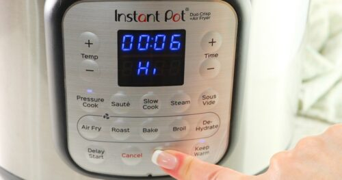 Instant Pot being set on high for 6 minutes